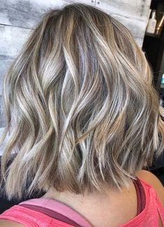 Stunning Textured & Balayage Medium Haircuts to Wear in 2019 Thin Hair Cuts, Medium Hair Cuts, Medium Hair Styles, Long Hair Styles, Latest Hairstyles, Hairstyles Haircuts, Woman Hairstyles, Trending Haircuts, Hair Color Balayage