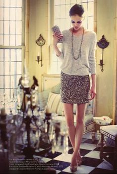 glam/retro/modern feeling gives this a great look for formal or casual location (woodsy/street)