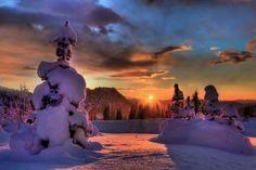 Blazing sunset on mount Rainier