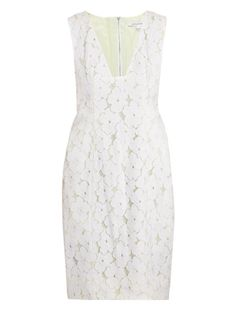 White, lace and V neck....just my kind of dress :)