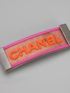 Chanel Vintage - hair clip 3    www.offcampusapartmentfinder.com