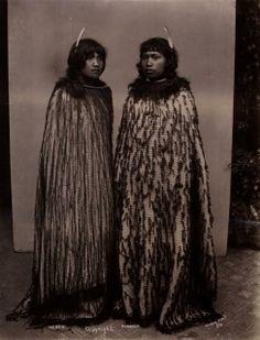 2 Girls - Hereni & Rowanga