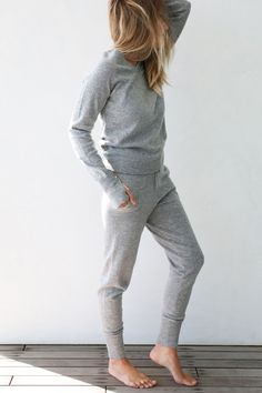 Who knew joggers could be so classy? Part of Lunya's Luxe Collection, The Merino Cashmere Jogger is a blend of luxurious Cashmere and quality Merino wool that won't take you to the cleaners… literally
