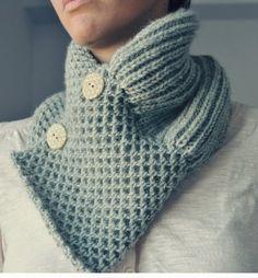 elde - knitted neck warmer by sabrina