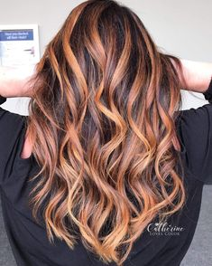 Pretty fall hair colors for brunettes including Splash of balayage, Warmed-up brunette, Caramel high Fall Hair Color For Brunettes, Fall Hair Colors, Cool Hair Color, Brown Hair Colors, Highlighted Hair For Brunettes, Highlights For Brunettes, Brunette With Caramel Highlights, Hair Colour, Hair Color Highlights