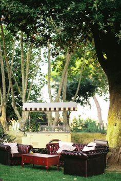 Natural Al Fresco Rome Wedding