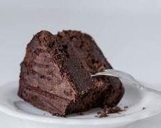 Gâteau au chocolat meringué : http://www.cuisineaz.com/recettes/gateau-au-chocolat-meringue-33711.aspx
