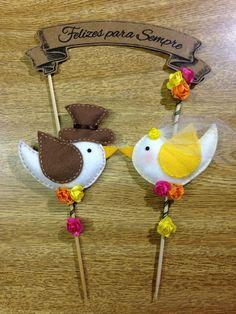 Topo bolo casal de passarinhos - Feltro.