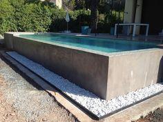 Infinity Pool Backyard, Backyard Pool Designs, Small Backyard Pools, Small Pools, Swimming Pool Designs, Garden Swimming Pool, Natural Swimming Pools, Pool Spa, Raised Pools