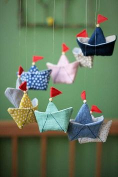 Mobile boat - sewing instructions with sewing pattern-Mobile Schiffchen – Nähanleitung mit Schnittmuster Mobile boat – sewing instructions with sewing pattern - Sewing Projects For Beginners, Sewing Tutorials, Sewing Patterns, Sewing Tips, Diy Y Manualidades, Baby Mobile, Mobile Mobile, Diy Couture, Headband Pattern