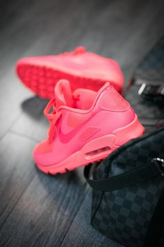 OBSESSED with the Nike Air Max Hyperfuse