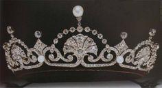 Het Connaught diadeem is misschien wel één van de meest geliefde juwelen van de Zweedse koninklijke familie. Aan het sieraad hangt een mooie geschiedenis.  (Lees verder…)