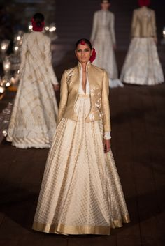 WIFW'15: Rohit Bal #grandfinale #rohitbal #WIFWSS15