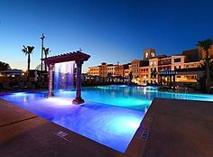 Craziest Hotel Pools Golden Nugget Las Vegas Inside The Golden Nugget In Las Vegas Sits A Year Round Heated Pool That Features Simply