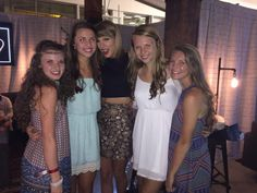 Taylor and fans in Loft '89 in Louisville