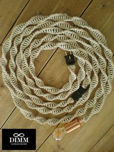 Macramé lichtsnoer lamp, macrame lichtkabel, light rope, licht touw, 4 mm ecru katoen touw, koperen E27 fitting, 5 mtr / 16,4 feet lang