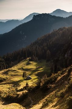 nur-atmen:    flentes:    Kampenwand,Tom Sonnleitner    can I live there or what
