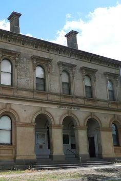 """Clunes Post and Telegraph Office was built in 1879. The building is designed in an Italian Renaissance """"palazzo"""" style. The building replaced an earlier, smaller post office built in 1861. The building is so much bigger and grander than its predecessor due to the towns rapid expansion and peaking of population in the 1870s. #clunes #postoffice #history #renaissance #hepburn #hepburnshire #creswick #daylesford #victoria #melbournedaytrip"""