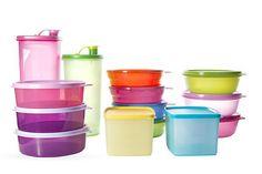 ¿Cómo limpiar los recipientes de plástico manchados?