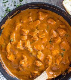 Αν είσαι φαν του κοτόπουλου, αυτή τη συνταγή θα την λατρέψεις.Αν δεν είσαι, δοκιμάζοντας το μαγειρεμένο με αυτόν τον τρόπο, θα γίνεις!Υλικά που θα χρειαστούμε