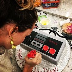 Nintendo Controller, Baked Goods, Cake Ideas, Video Game, Diana, Channel, Pastel, Cakes, Baking