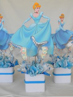 Cinderalla Inspired Birthday Party Table Setting and Decor - Salvabrani Elsa Birthday Party, Disney Princess Birthday Party, Princess Theme Party, Frozen Theme Party, Cinderella Birthday, Birthday Party Centerpieces, Birthday Party Tables, Birthday Decorations, Diy Party Needs