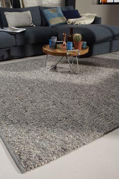 NL Label Karpetten - grijs Onze complete collectie NL Label karpetten vindt u in onze winkel.