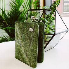 Netradiční textilie - rozhovor s Ninou Garden, březen 2020 Container, Gift Wrapping, Garden, Gifts, Design, Gift Wrapping Paper, Garten, Presents, Wrapping Gifts