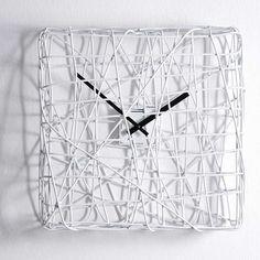 Fun wire clock by Diamantini & Domeniconi