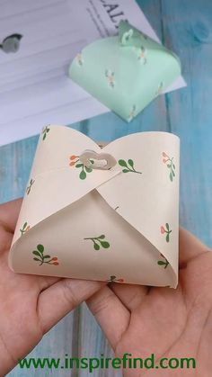 Diy crafts origami paper us get more exciting and the idea use purple paper to make long lavender it is very beautiful try to spray some perfume you will be surprised save it try to do it! Diy Crafts Hacks, Diy Crafts For Gifts, Diy Home Crafts, Diy Arts And Crafts, Creative Crafts, Cool Paper Crafts, Paper Flowers Craft, Paper Crafts Origami, Origami Flowers