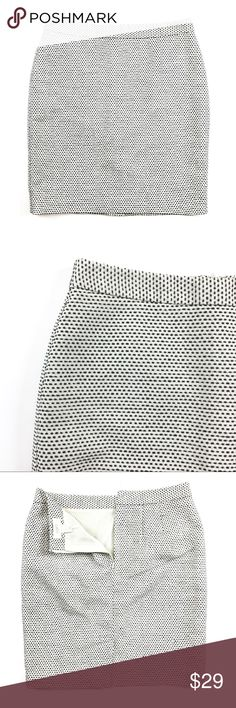 """LOFT Petite Skirt LOFT Petite (2P) Skirt in white with black all-over dots. Made of polyester + acrylic with a length of 18"""" and waist of 28"""". Back-sip closure. Excellent used condition. Retail $69.50. LOFT Skirts"""