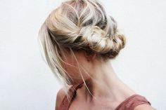 How-To: 8 Twisted Hair Styles My Hairstyle, Messy Hairstyles, Pretty Hairstyles, Wedding Hairstyles, Wedding Updo, 1940s Wedding, Fashion Hairstyles, Bridal Updo, Celebrity Hairstyles