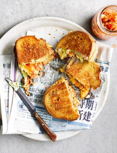 Kimchi grilled cheese toastie This kimchi grilled cheese sandwich is addictive. Serve leftover kimchi on burgers, hotdogs, stir into mayo as a condiment or eat with Korean fried chicken.