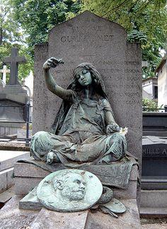 by Louis-Ernest Barrias Paris Montmartre, Gustave Guillaumet Cemetery Monuments, Cemetery Statues, Cemetery Headstones, Old Cemeteries, Cemetery Art, Graveyards, Unusual Headstones, Cemetery Angels, Saint Ouen