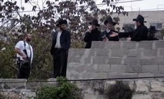 30/09/14 This morning Zionist settlers take over 23 apartments in selwan near AlQuds #Palestine - maannews.net (READ)