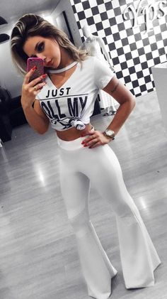 white v-neck sleeve crop top and white flare pants Trendy Summer Outfits, Cozy Winter Outfits, White Flare Pants, Grey Fur Coat, Prom Dresses With Pockets, White V Necks, Long Sleeve Tops, Party Dress, Fashion Dresses
