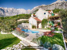 Klein aber fein - das Ferienhaus Elly in Kroatien liegt wunderschön ruhig im Dorf Puharici und bietet Platz für 3 Personen. Kurzentschlossene können traumhaft sparen: Vom 29.8. bis 5.9. gilt ein Angebot und Du zahlst nur 980 € für die Woche.