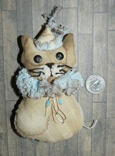 Primitive Cat, Harlequin, Fabric Art, stuffed cat, décor, toy for teddy & doll Halloween Gourds, Primitive Snowmen, Bear Doll, Old Antiques, Wood Sculpture, Fabric Art, Decoration, Art Dolls, Kids Toys