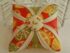 Amy Made That! ...by eamylove: Cathedral Window Pincushions
