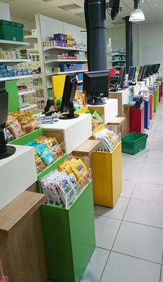 Showroom JCDA | Agencement de la pharmacie Lagoubie ( 24 ), les comptoirs