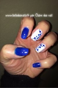 #nailart blue and bulle