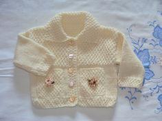 Gilet-Veste tricoté main, en points fantaisie pour bébé 12/18 mois : Mode Bébé par danielaine-tricots-enfants