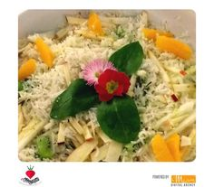 Riso bianco con frutta di stagione e fiori eduli  #ilmargutta #ilmarguttamemu #brunch #roma #ristorante #restaurant #cibo #food #vegetariano #vegetarian #vegano #vegan #healty #healtyfood #viamargutta