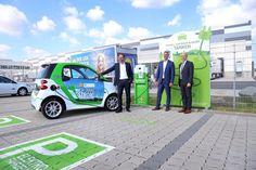 Lidl baut in D. Ladestationen für E-Autos. Lidl, Borne De Recharge, Tonne, Gas Station, Renewable Energy, Sustainability, Van, Vehicles, Design