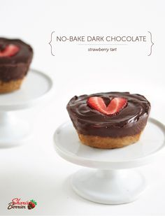It's like love in one bite. Try this no-bake chocolate strawberry dessert! Chocolate Strawberry Desserts, Strawberry Tart, Chocolate Strawberries, First Bite, Cheesecakes, Roast, Baking, Christmas, Recipes