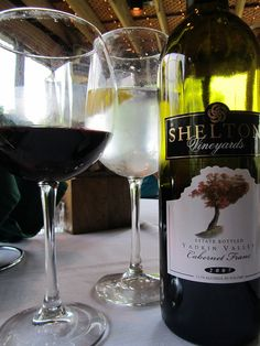 Pair our wine with your favorite meal! Harvest Grill, White Wine, Red Wine, Vineyard, Alcoholic Drinks, Meal, Favorite Recipes, Glass, Food
