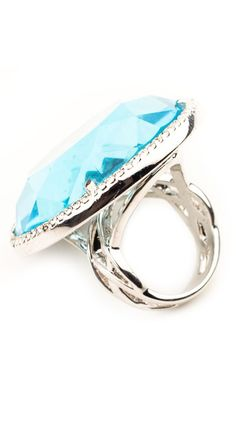 Verre Ring - Like a pool on your finger. Yes!