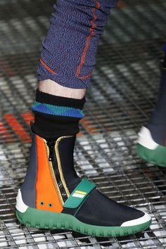 """Résultat de recherche d'images pour """"sneakers givenchy vogue 2017"""""""
