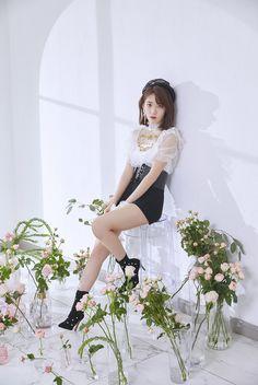 Good luck to you, Sakura ❤️ Kpop Girl Groups, Kpop Girls, Japanese Fashion, Korean Fashion, Kpop Fashion, Asian Woman, Asian Girl, Kpop Outfits, Fashion Outfits