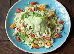Salada de camarão, avocado com batata, legumes crocantes e agrião (Foto: Jamie Oliver/ Divulgação)